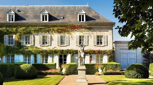 The exterior of Le Choiseul hotel in Amboise, France.