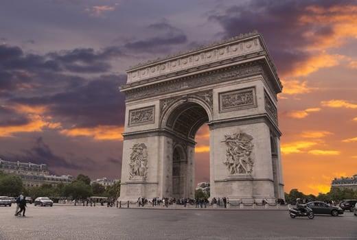 France Travel Blog: The historic Arc de Triomphe