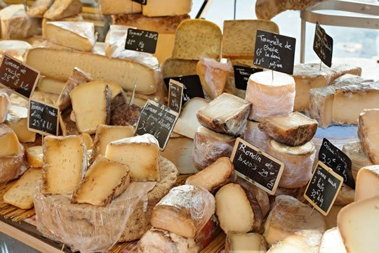 Bordeaux Food and Wine Day Trip: delicious French cheeses