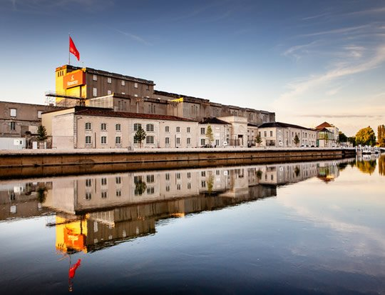 Hennessy Cognac Tour: Visit the Hennessy distillery!