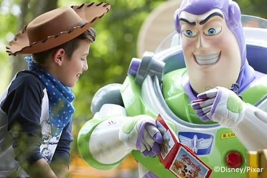 Take a day trip to Disneyland Paris: Meet Buzz Lightyear