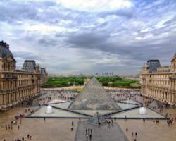 Paris Bike Tour and Louvre Visit